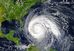 Immagine satellitare di una tempesta tropicale